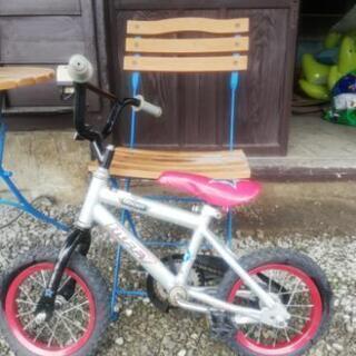 12インチ子ども用自転車。
