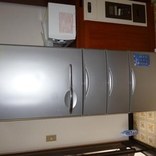 サンヨー冷蔵庫 中型 1扉3引出