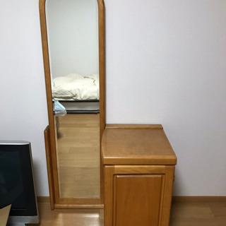 姿見鏡と棚