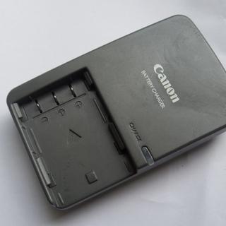 代引換郵送可 Canon バッテリーチャージャー CB-2LW