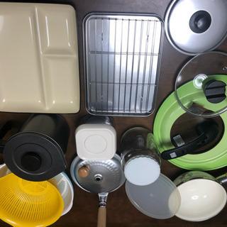 鍋蓋、天ぷら油容器、保存容器、便など