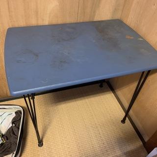 古い机 差し上げます。