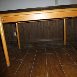 食卓テーブル 椅子がありません