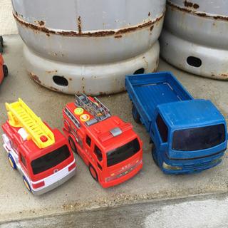 消防車とトラック  3台セット