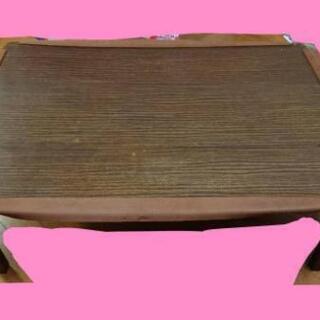 木製のローテーブル
