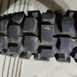 オフロードタイヤ