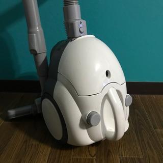 ニトリ  紙パック式クリーナー 掃除機