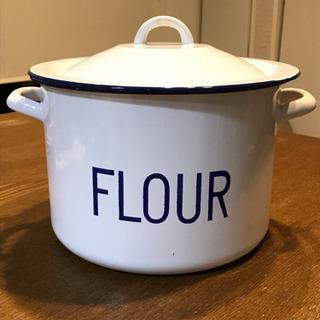 雑貨 ホーロー缶 (FLOUR)