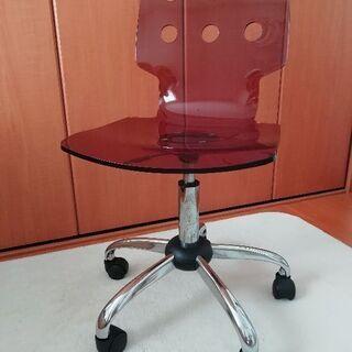 お譲りします(^^)/ アクリル一枚板キャスター付椅子