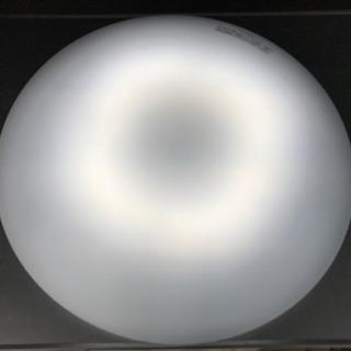 美品!パナソニック LEDシーリングライト◇主に8畳用◇ 白い色...