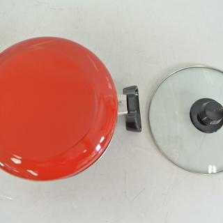 未使用 コンパクトなホーロー両手鍋 耐熱強化ガラスふた 18㎝ 1.6L 箱付き Pretty プリティ  琺瑯鍋 − 香川県