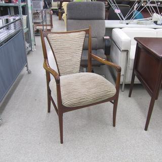 マルニ ダイニングチェア 座面布地 木製フレーム 椅子 いす イ...