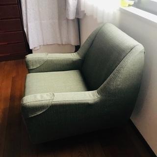 一人掛けソファを譲ります。