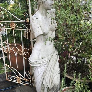 西洋彫刻洋風女性像お売りします。インテリア 置物 アウトドア オ...