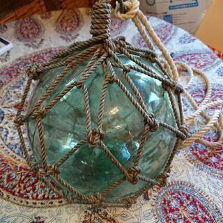 ガラス浮き玉