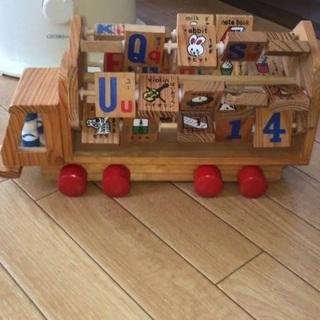 美品☆木製トラック☆車おもちゃ☆英語ひらがなカタカナ幼児教育☆知育玩具