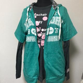 2枚セット Tシャツとフードつき半袖
