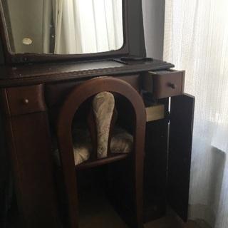 鏡台・椅子のセットをお譲りします