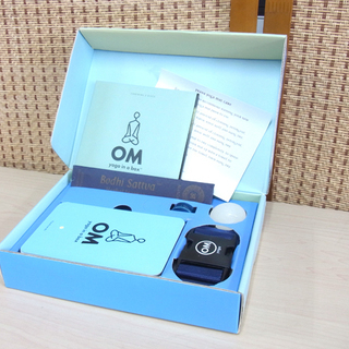 OM yoga in a box ヨガ CD2枚組 ポーズカード...