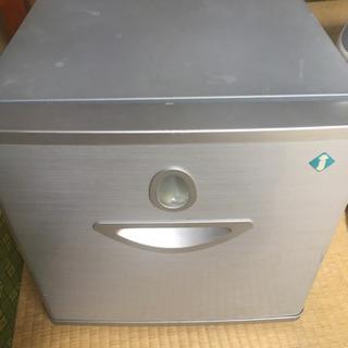 小型冷蔵庫 21リットル