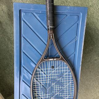 ☆硬式テニスラケット ヨネックス☆お譲りします‼️