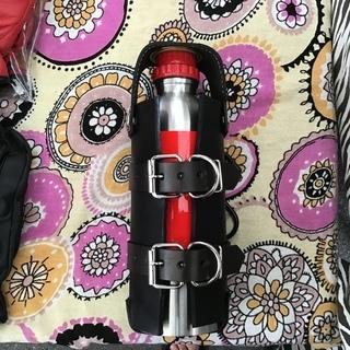 ガソリン予備ボトル900ミリリットルとレザーホルダーのセット未使用品