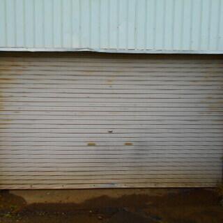 貸ガレージ、倉庫、バイク整備などにどうぞ
