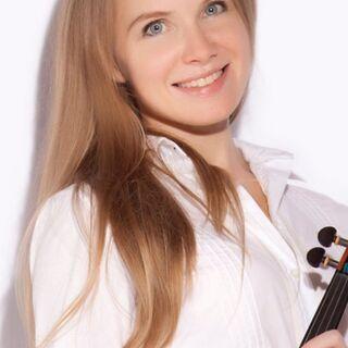 女性講師が教えるバイオリン教室です。コーラス指揮なども指導…