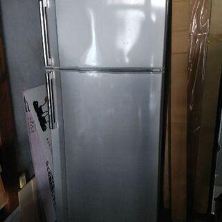 冷蔵庫あげます。今週末まで対応出来ます。