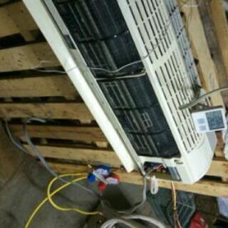 格安エアコン取り付け、ガス補充、取り外し