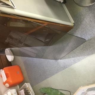 ガラスの天板