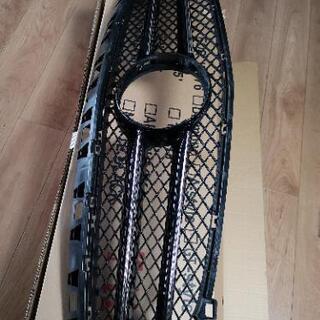 ベンツA180ナイトパッケージ フロントグリル