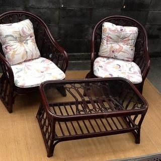 可愛いアジアン家具3点セット 1人掛け椅子×2 天板ガラス…