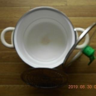 [A]ホーロー鍋22cm/高さ16cm・耐熱ガラス蓋(蒸気逃がす...