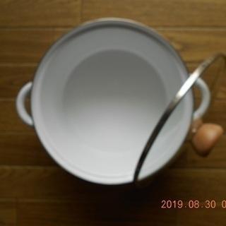 [C]ホーロー鍋20cm/高さ11cm・強化ガラス蓋・おそらく未使用品