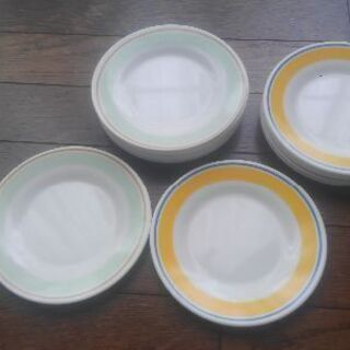 メラミン製の平皿15.5cm