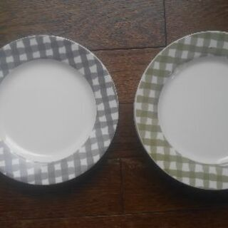 メラミン製の平皿19cm
