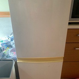 冷蔵庫  SHARP  取り引き決まりました。