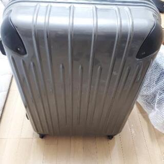 【格安】大きめスーツケース売ります