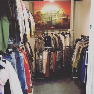 夏物秋物ブランドレディース服を最大90%オフで販売しています!