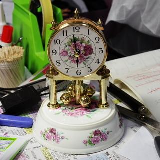 アンティークな置時計 HB058-4 元箱付 動作確認済み