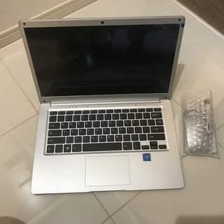 ノートパソコン Office 2010搭載 1.3kg軽量