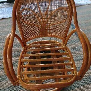 藤家具 回転色 椅子