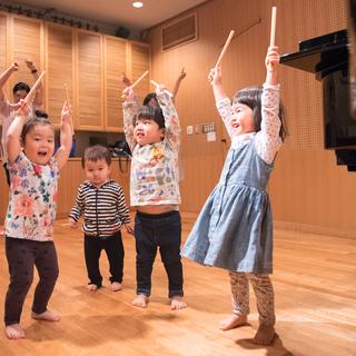 吉祥寺で英語リトミック「親子で楽しく、英語で音感・リズムトレーニング」