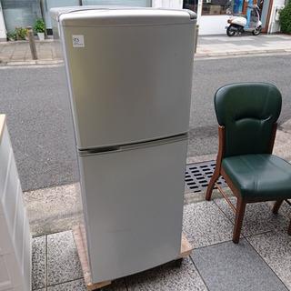#2715 2ドア冷凍冷蔵庫 SR-141U 2011年製