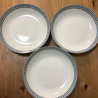 新品 ブルーの縁取りの深皿 3枚セット