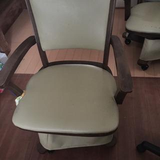 家具調こたつの椅子