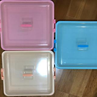 3色まとめて!屋外イベントにも持ち運べる蓋つき大皿