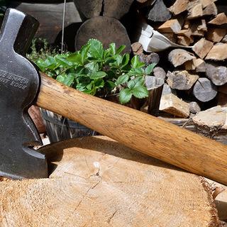 日本には無い3役機能の手斧ー米国最古の名門ブランド