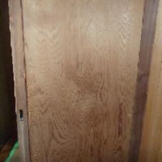 杉の一枚板の引き戸